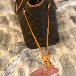 Louis Vuitton Bags - Louis Vuitton Neverfull MM 😍